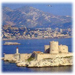 nbsp 据说伊夫城堡防守极为严密,犯人要从这里逃出去,简直是不可能的